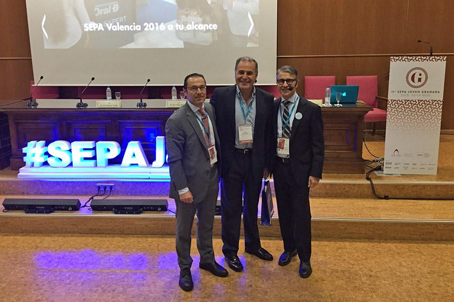 Los Drs. Enrile y Buitrago hablan sobre periimplantitis en SEPA Joven Granada