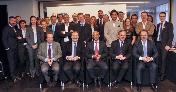 Participantes de la monografía clínica sobre alvéolos posextracción