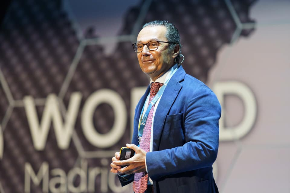 El Dr. Enrile, durante su intervención en DS World Madrid
